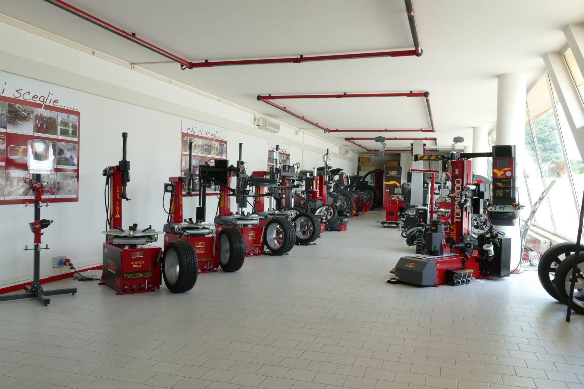 Φωτογραφίες από τους χώρους εκπαίδευσης του εργοστασίου της Mondolfo Ferro